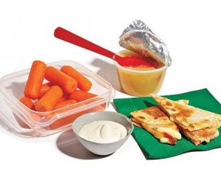 1109p44-pizza-carrot-lunchbox-x